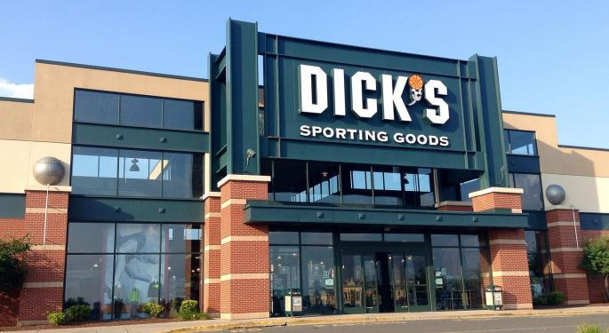 Stephens Says The Street Is 'Too Optimistic' On Dick's Sporting Goods
