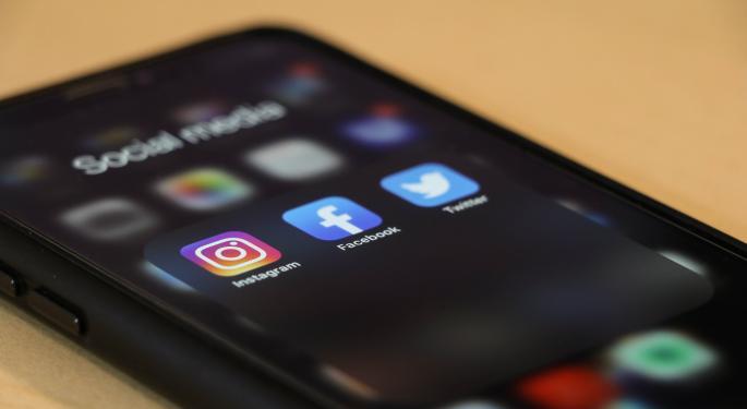Facebook, YouTube y Twitter: multas multimillonarias en Reino Unido