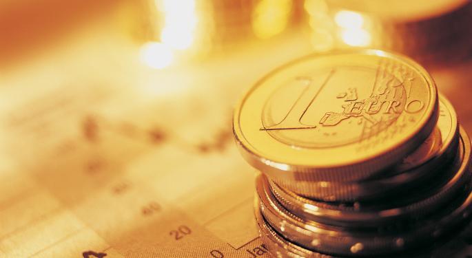 Euro Hangs In The Balance Ahead Of ECB Meeting