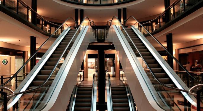 Retail Earnings Parade Begins: JC Penney, Kohl's In The Spotlight