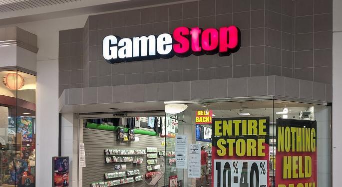 Las ventas en corto de GameStop bajan más de la mitad