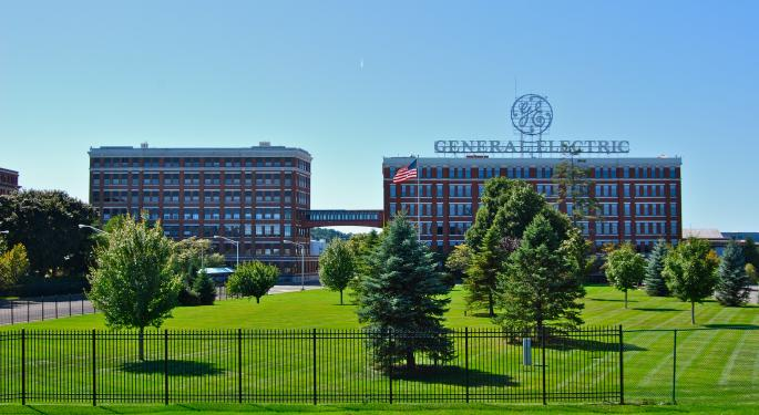 GE Challenges Remain; Analyst Sees Shares Overvalued No Matter Who's In Charge