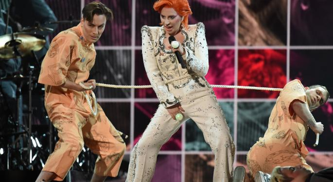 Lady Gaga's David Bowie Tribute Was Surrounded By An Intel Commercial
