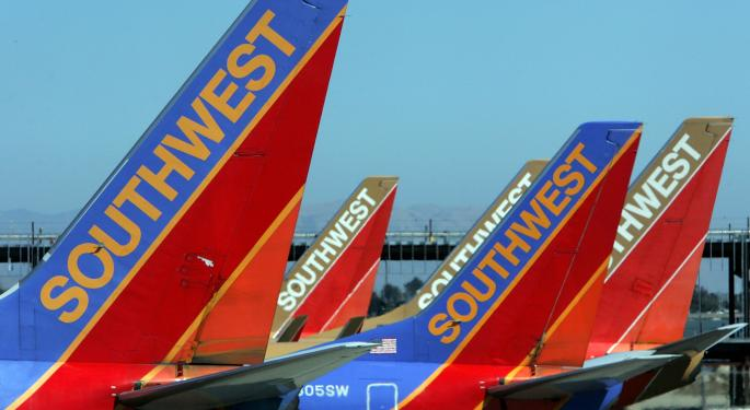 Southwest Warns RASM Could Drop This Quarter; Airline Stocks Are Falling