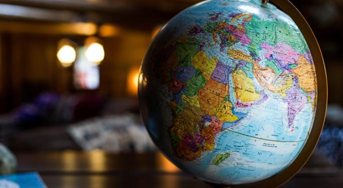 Mercados globales continúan mixtos tras repunte de China