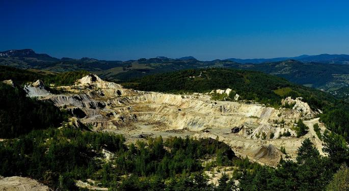 BMO Weighs In On Newmont Mining's Batu Hijau Sale