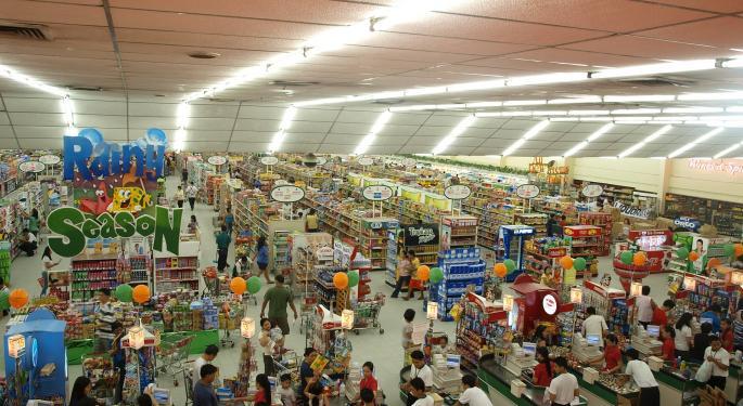 Cowen's Big-Box Pair Trade: Wal-Mart Upgraded, Target Downgraded