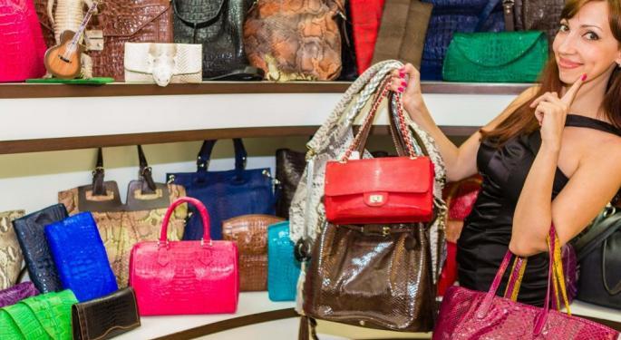 Analyst: Kate Spade's Seasonal Items Flying Off The Shelves, Brand 'Isn't Irrelevant'