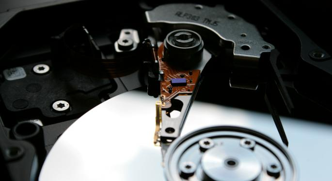 Sell-Side Moves To Sidelines On Western Digital After Q1 Miss, Below-Consensus Guidance