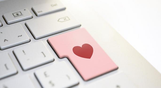 Grindr, Tinder, OkCupid, Makeup, Kids And Prayer Apps Spreading User Data: Report