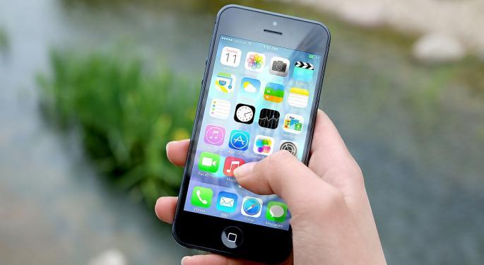 Apple Can 'Grow Again' Next Quarter