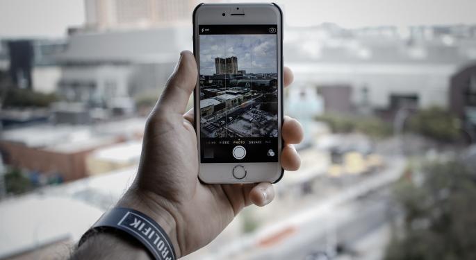 Raymond James: Lumentum Still A 'Strong Buy' Despite Apple's Guidance Cut