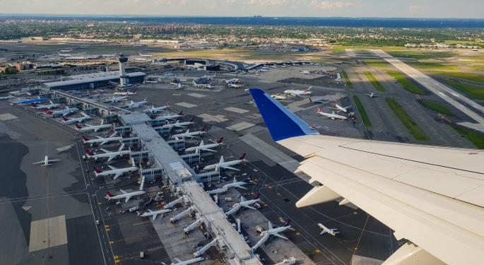 Government-Mandated Shutdown Of Domestic US Flights Possible As Airlines Cut Flights Voluntarily