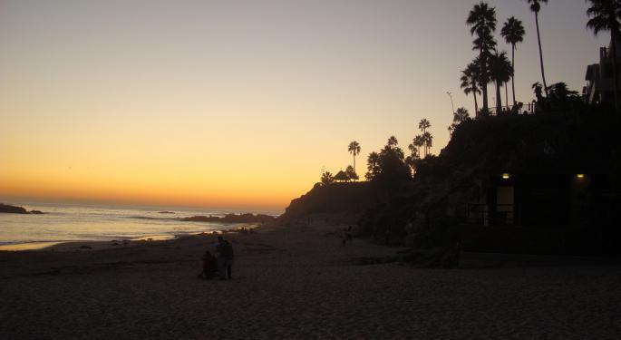 Buffett Seeking To Turn 1131% Profit On Laguna Beach Home