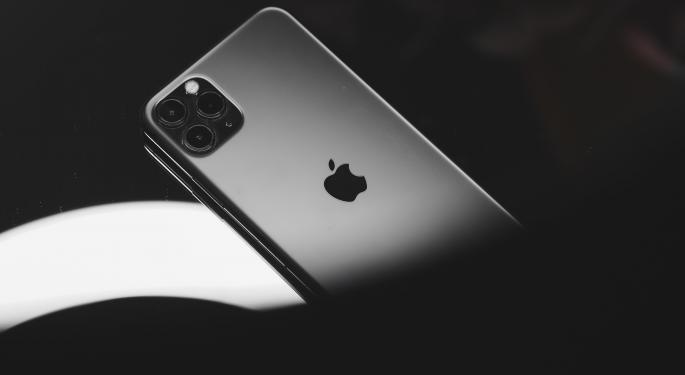Apple podría lanzar un iPhone de 6,7″ de menos de 900$