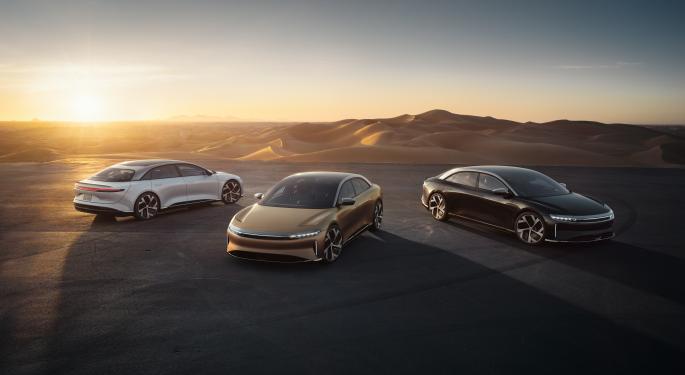 Lucid planea presentar el rival del Tesla Model 3 para 2025