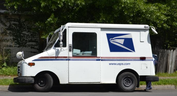 First Quarterly Drop In USPS' Package, Shipping Volumes In Nine Years Sends Warning Flares