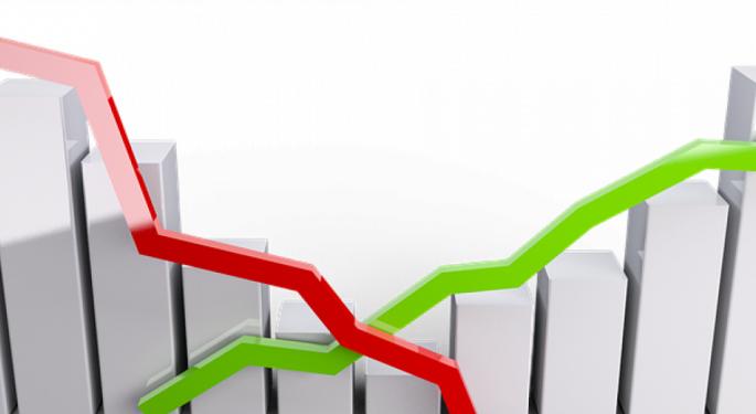 Las acciones europeas caen ante datos económicos mixtos