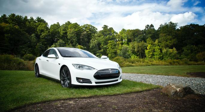 Rivales chinos de Tesla despreocupados ante el EV prometido de K