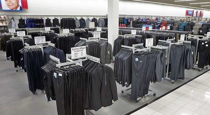 Burlington Stores Deserves Premium Valuation Despite Being Smallest Player, Analyst Says
