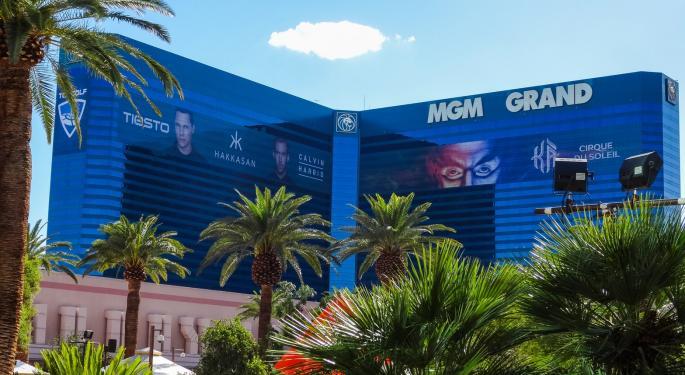 Las Vegas Casino Workers Sue Resort Owners Alleging Inadequate COVID-19 Safety Measures