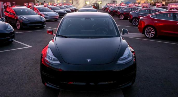 Tesla Trades Higher On Report Of Record Deliveries