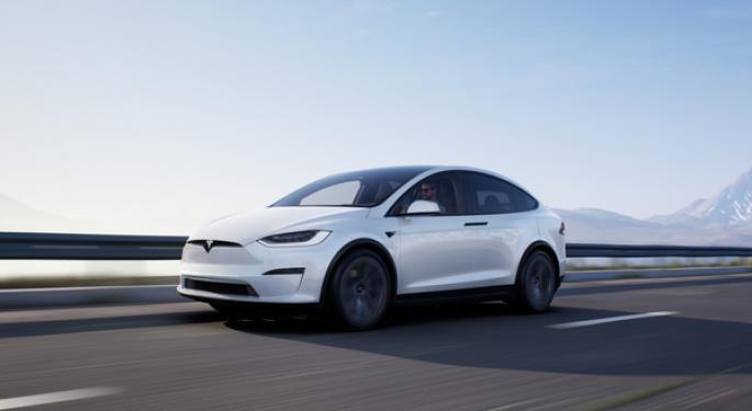 Tesla podría empezar con las entregas del Model X pronto