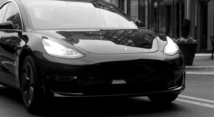 Tesla lanza una opción de arrendamiento para el SUV Model Y por 499 $ al mes.