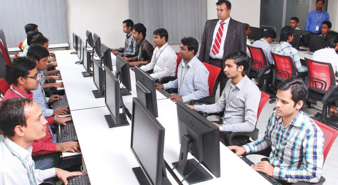 Indian IT Outsourcing Giants At Crossroads As Trump Tightens Screws On Immigration