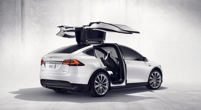 Tesla Recalls Over 9K Model Xs, 400 Model Ys