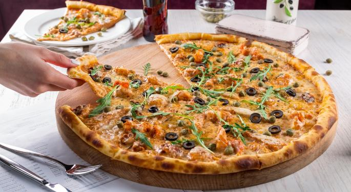 Wedbush Likes Domino's Pizza, Says Pressure From Third-Party Delivery Is 'Unsustainable'