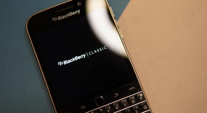 La escasez de chips afecta a las ganancias del 4T de BlackBerry