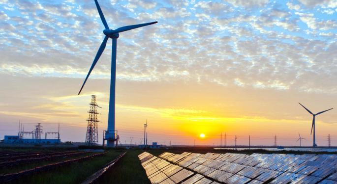 Clean Energy Fuels Lands 2 New Deals, Could Also Benefit From New Administration