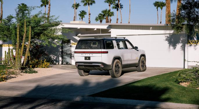 Rivian Starts Taking Pickup Orders, With Pricing That Tops Tesla Cybertruck