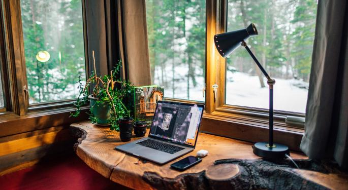 5 Ways To Earn Money From Home As A Self-Employed Worker