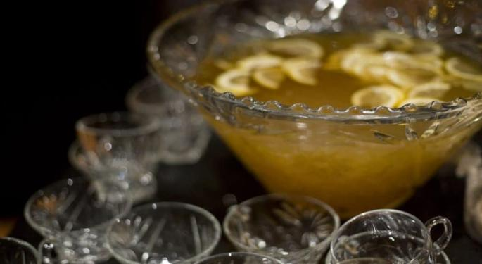 Warren Bobrow, 'The Cocktail Whisperer,' Shares A Mexican Canna-Punch Recipe For Your Month Of May