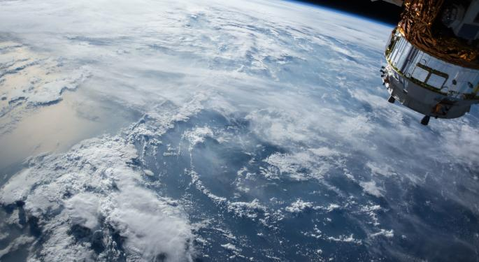 Out Of This World? Chardan Grounds Globalstar To Neutral On FCC Decision