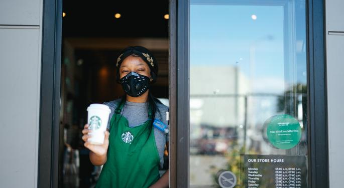 Starbucks Analysts Stick To Sidelines After Q3 Print, Break Down COVID-19 Impact On Coffee Chain