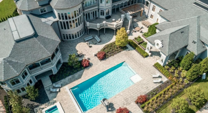 Take A Look At The Former Michigan Mansion Of Detroit Pistons Legend Joe Dumars