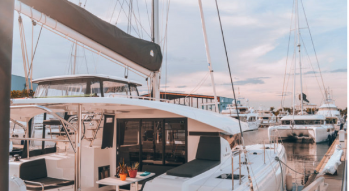 How This Blogger Earns A $1 Million Salary — On A Sailboat With Her Husband And Dogs