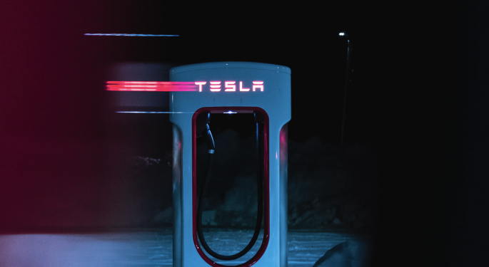 'Dean Of Valuation' Says Tesla Still Has Long Way To Go To Justify Stock Price