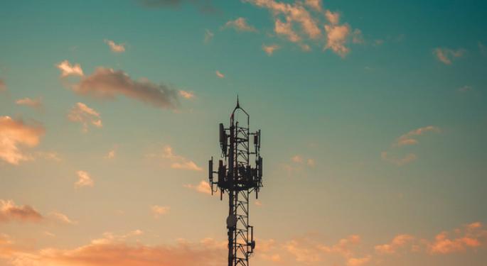 AT&T And Verizon Beat Estimates