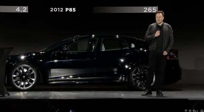 Tesla da inicio a las entregas del Model S Plaid