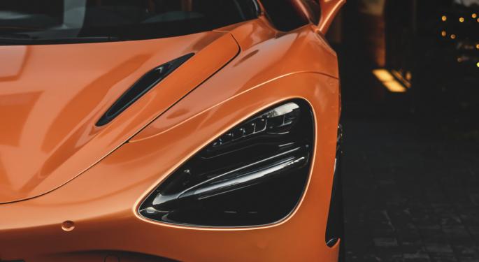 McLaren y Tezos lanzarán juntos un ecosistema NFT