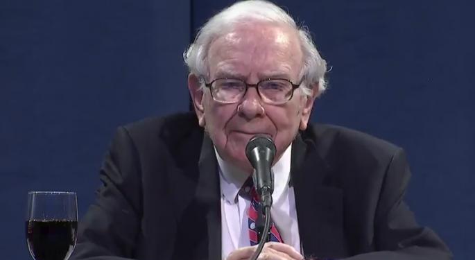 Warren Buffett Praises Fauci After Berkshire Hathaway Posts Record Loss Amid Coronavirus Pandemic