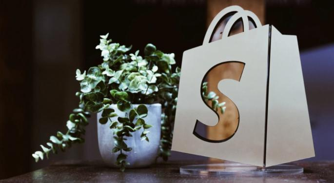 Bullish Shopify Analyst Says E-Commerce Platform In Early Stages Of Growth