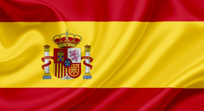 Spain Slashes Growth Forecasts, Sees Widening Deficit