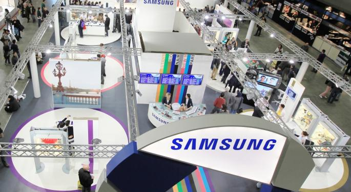 Samsung Misses Earnings While the Battle Continues with Apple AAPL, SSNLF