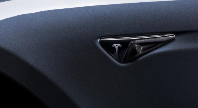 Tesla Sentry Mode Records Car Thieves, Helps Find Stolen Porsche