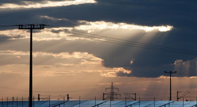 Solar Installation Data May Put Full-Year Guidance At Risk, Gordon Johnson Warns